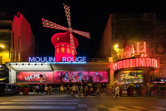 Moulin Rouge (Andrew G Robertson) Tags: paris pigalle montmatre moulin rouge canon1124mm cabaret nightclub club neon france movie cinema
