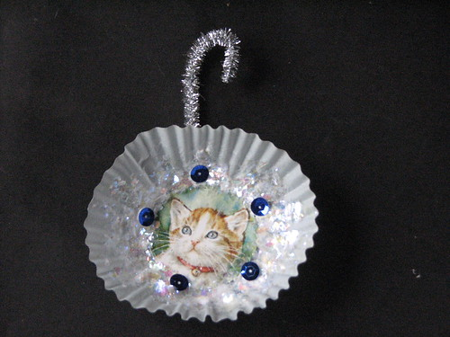 #11 - Cupcake Ornament 009
