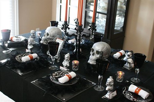 Halloween this year and want that gothic touch to their wedding decor