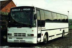 E373FKX (up&under) Tags: buses coaches plaxton grayway wallsofwigan wigancoach