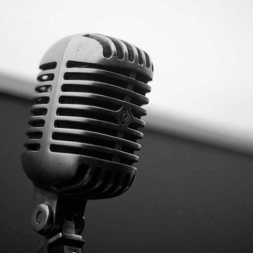 Un, dos, el micrófono
