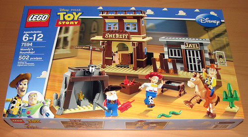 2010 LEGO Toy Story 7594 Woody's Roundup
