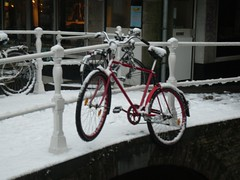 Interesting place to park a bike on Waagbrug, Delft (crwilliams) Tags: snow netherlands delft date:month=december date:day=17 date:year=2009 date:wday=thursday date:hour=08