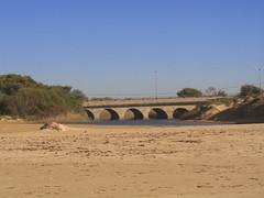ponte (btm_mtb) Tags: italia mare sole viaggio spiaggia sicilia oro orme sabbia modica impronte viaggiare