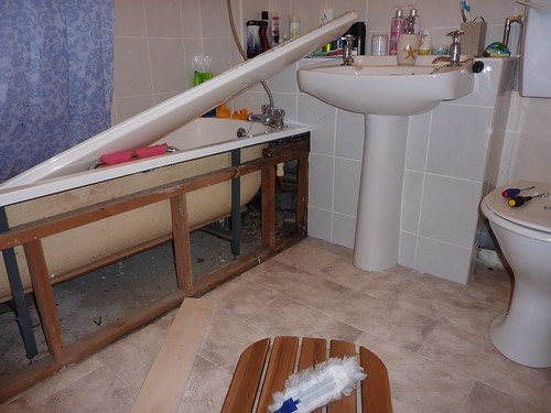 Bathroom in bits n pieces