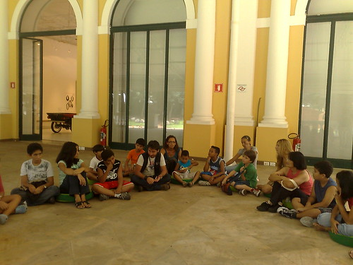 [Museu da Casa Brasileira] Uma Tarde no Museu (crianças e arte educadores descobrindo o acervo)