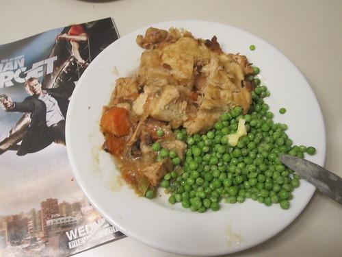 Chicken and dumplings, peas