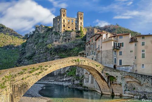 Dolceacqua (Borgo medievale - Medieval village) by cicrico