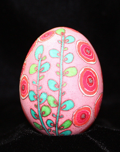 Contemporary Ukrainian Egg Poppy Design in Pink and Red