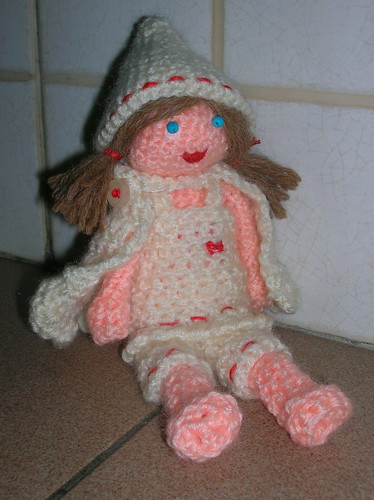 amigurumi little red cap... in white