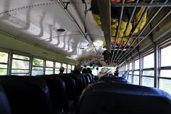 chicken bus (ancien bus scolaire américains)