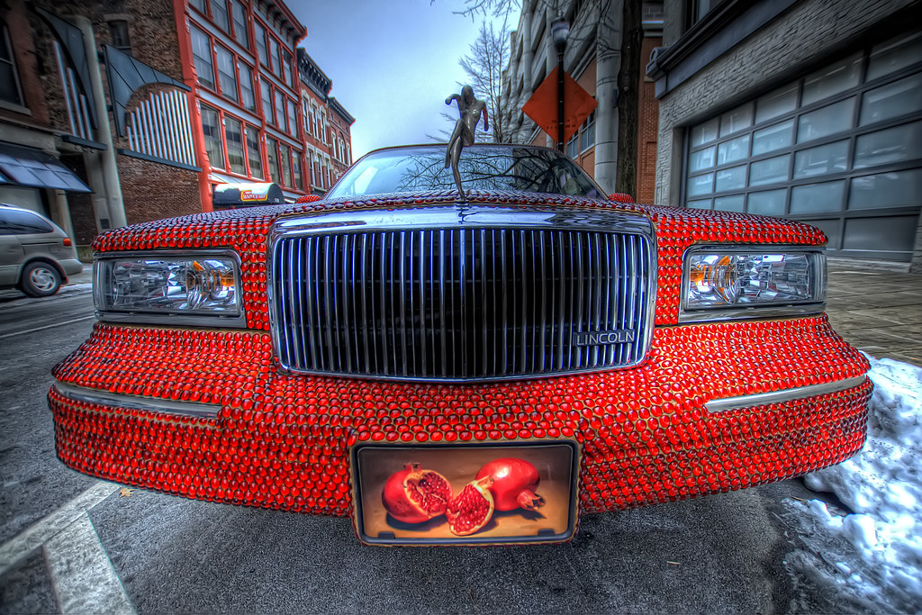 A pomegranate limousine in Louisville, KY.