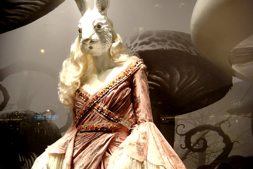 printemps window display alice in wonderland