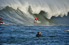 Swooping Ruffles (Lyrinda) Tags: ocean sea seascape photo surf waves surfer contest wave surfers halfmoonbay mavericks pillarpoint princetonbythesea mavericks10