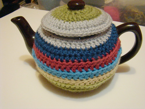 Day 24: scrap happy teacosy