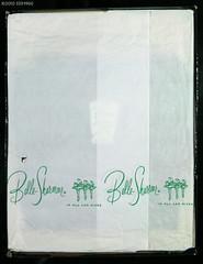 IMG_8870 copie (SSSH960 Nylons Collector) Tags: stockings fashion vintage box hosiery canon5d bas couture fully nylons seamed ffn allnylon sssh960 bellesharmeer box88 legsized style1204v withventilatedfoot modite912 luxurysheer