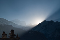 Sunrise over Annapurna Himal (Johan Assarsson) Tags: nepal light mountain sunrise trekking himalaya annapurnacircuit annapurna annapurnabasecamp annapurnasanctuary annapurnahimal thehimalayas annapurnaconservationarea