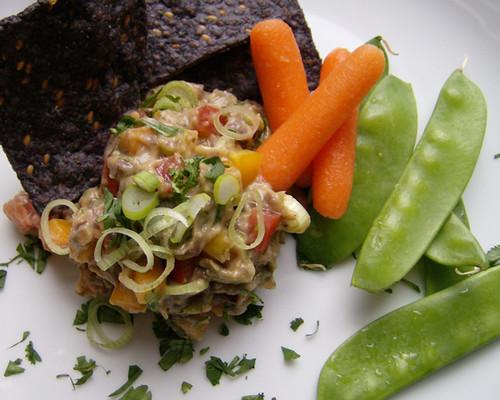 Expert Chef: Garlic-Lime Black Bean Avocado Spread