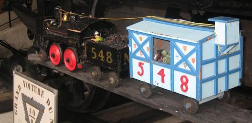 Model Train R