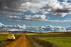 Visita al campo (ruhey) Tags: santiago españa de photography la y camino leon 500v50f 4l r4 castilla palencia renault4 cueza canon450d ledigos 1855is rubéntoquero tronila