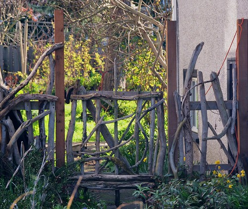 Need Ideas For A Twig Branch Driftwood Gate For My Garden