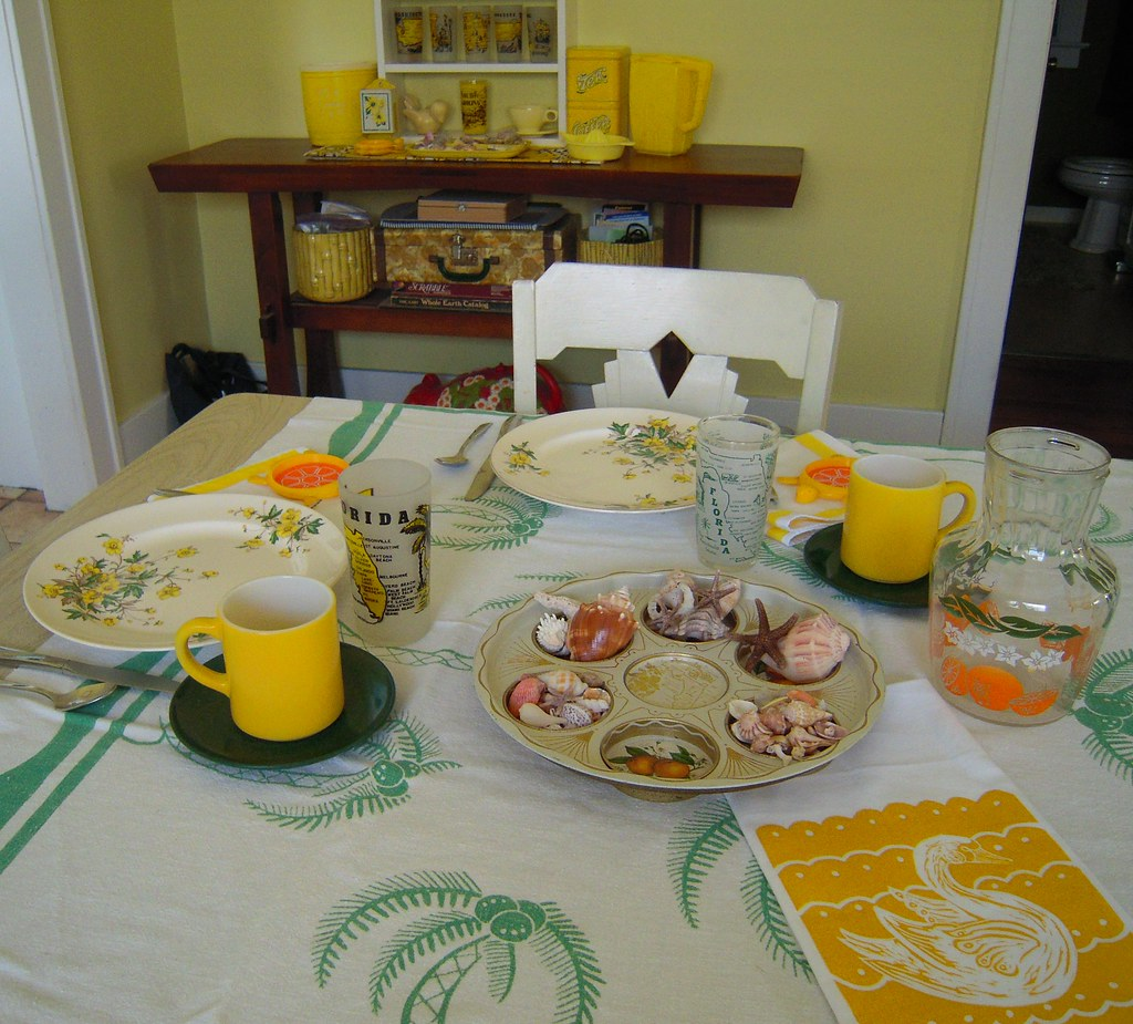 vintage Florida inspired table setting