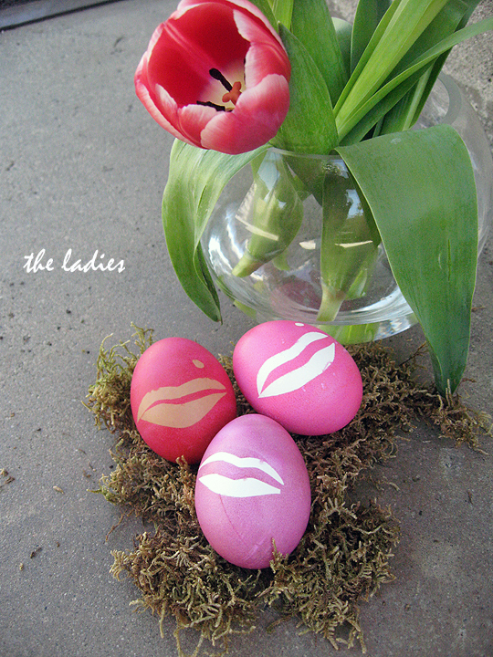 easter eggs -marilyn lips with mole