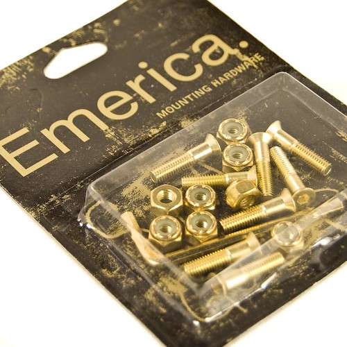 emerica stay gold hardware