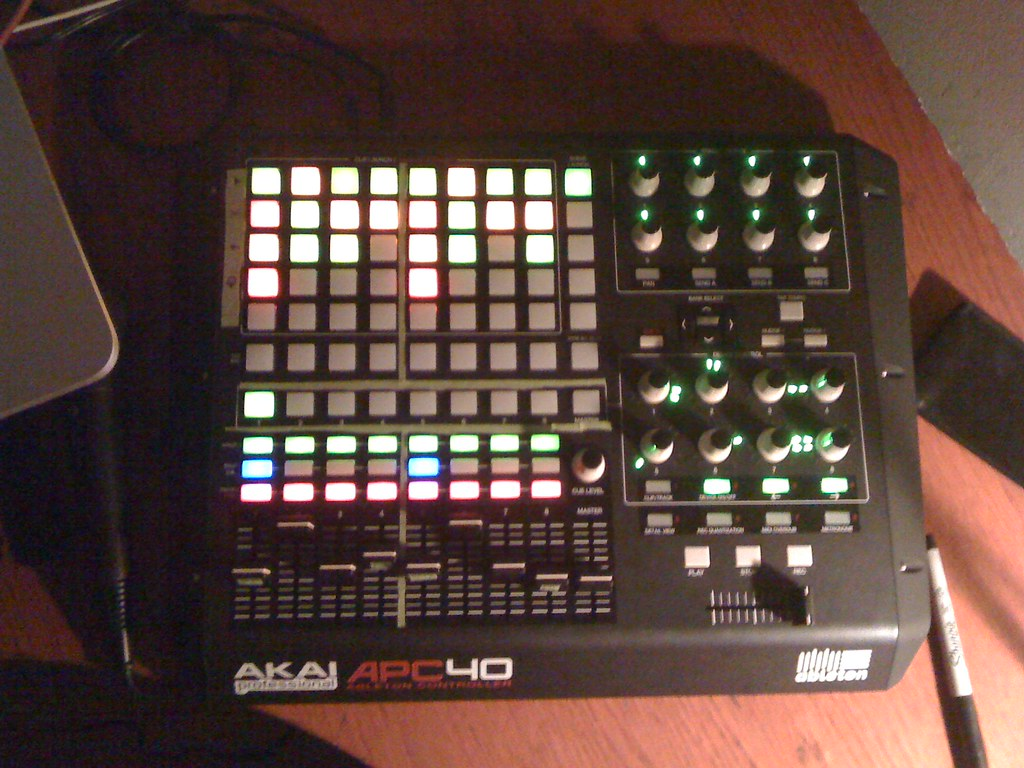 APC40 and Traktor Pro - This Is How It Should Be Done. 4480954238_87b7d74548_b