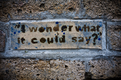 I Wonder What It Could Say? garryknight/Flickr