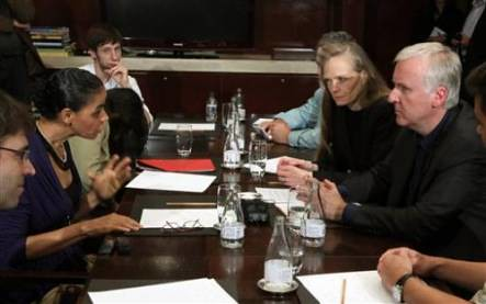 Marina Silva briefs James Cameron