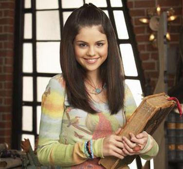 Selena-Gomez-Wizards-Of-Waverly-Place