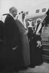 Dwight D. Eisenhower;Saud Ibn Abdul Aziz [& Family] [RF: Saudi Arabia RF] (K_Saud) Tags: dc washington king unitedstates president son prince saudi arabia arrival greeting abdul dwight rf aziz eisenhower ibn saud timeincown mashhur 937355