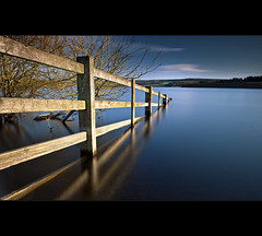 Fence |-|-|> (Reed Ingram Weir) Tags: longexposure england fence north east cp flooded polariser derwentreservoir leefilters reeingramweir wwwreedingramweircouk helopan lee10stop 075h