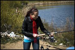 [95/365] : Fishing day! (Arisu Saktos) Tags: lake selfportrait colour nature scarf fishing nikon 365 day95 fishingrod nikond60 arisu 365project 95365 arisusaktos alicjaszymalska