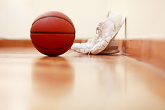 NBA Playoffs! (Mel Mijares) Tags: wood basketball canon ball losangeles shoes 85mm nike assist kobe tiles playoffs nba lakers mvp rebound staplescenter artest gasol thunders westbrooks kevindurant 5dmkii