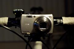 F200EXR on Flashpoint Camera Bike Bracket (Jun Seita) Tags: bicycle item bianchi afnikkor35mmf2d s5pro f200exr onbicyclecam