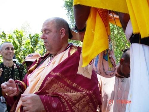 H H Jayapataka Swami in Tirupati 2006 - 0014 por ISKCON desire  tree.