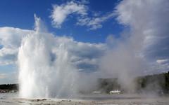 Great Fountain Geyser (Chris_131) Tags: park sky usa clouds bluesky spray national yellowstonenationalpark yellowstone wyoming geyser splash eruption yellowstonenp