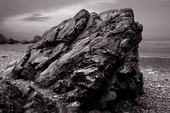 Playa del Gavieru. Roca / Gavieru beach. Rock (Diego J. lvarez) Tags: asturias cudillero novellana gavieru