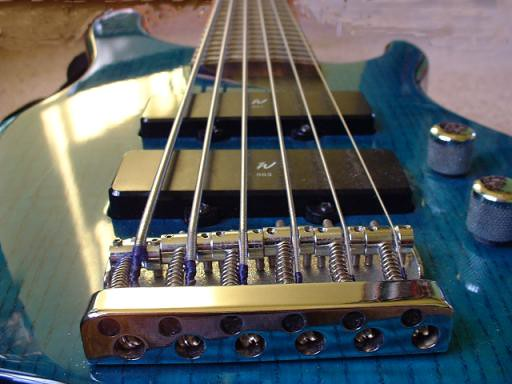 Washburn XB-600 bass, viewed looking down the neck from the bridge