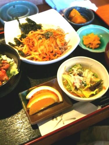 食処 二階、冷やしカキ揚げソバとミニネギトロ丼850円