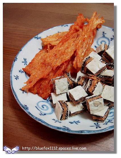 100515-2東港東西05_鮭魚丁角&辣味魷魚切片