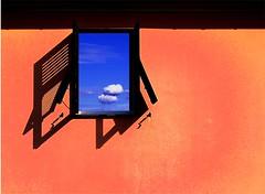 Aria fresca (meghimeg) Tags: shadow sky sun window ombra finestra cielo sole lavagna 2011 abigfave colorphotoaward