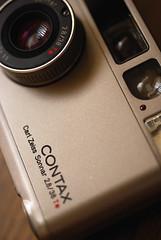 CONTAX T2 (Kohei Ueda (f.k.a. Lindeberg Feller)) Tags: camera macro ed still nikon micro 60mm nikkor afs contaxt2 sonnar d60 f28g