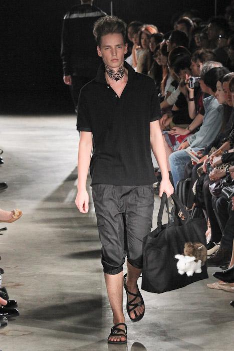 Rutger Derksen3043_SS11_Tokyo_GUT'S DYNAMITE CABARETS(Fashionsnap)