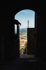 Radicondoli (IMAphotoArt) Tags: radicondoli toscana collina paesaggio belvedere architettura arco strada cielo azzurro albero paese colori