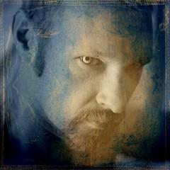 Vampire (just.Luc) Tags: portrait man male face beard goatee lyrics song retrato uomo ritratto hombre barbe homme visage gezicht baard texturized magiayfotografia