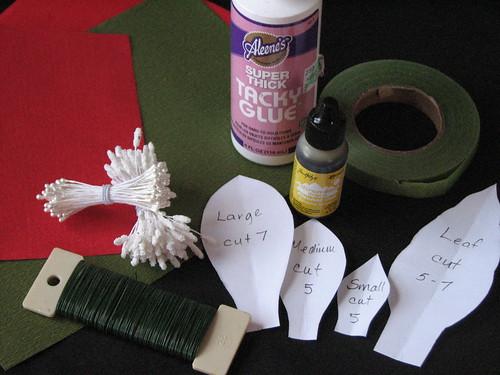 #12 - Crepe Paper Poinsettia 001