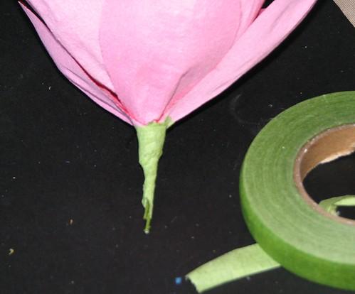 #12 - Crepe Paper Poinsettia 016